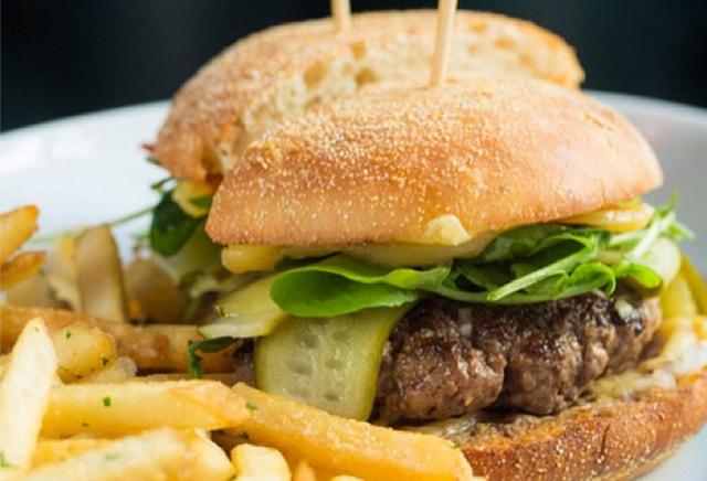 cavalier_burger.jpg