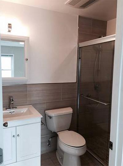 apt-sad-wet-bar-bathroom.jpg