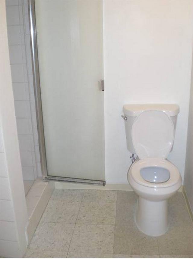 apt-sadness-sunset-bathroom.jpg
