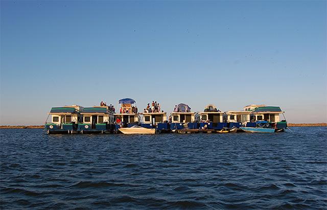 boat-party-delta.jpg
