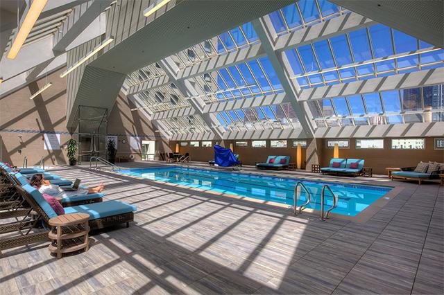 hotel-nikko-pool.jpg