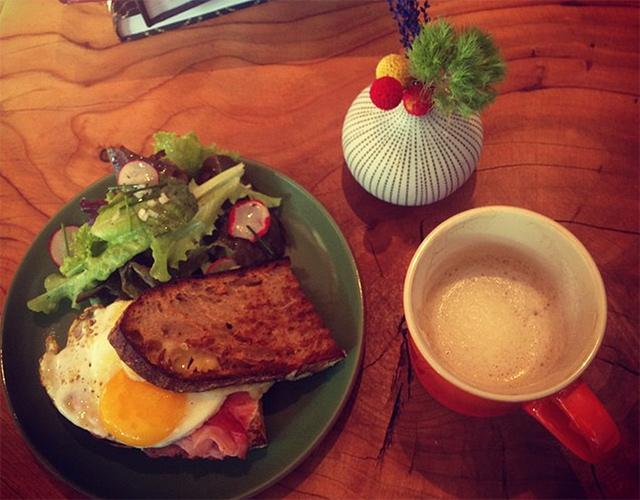 les-clos-breakfast.jpg