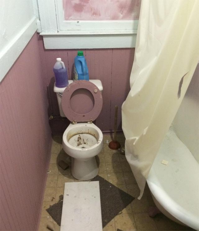 market-st-toilet.jpg