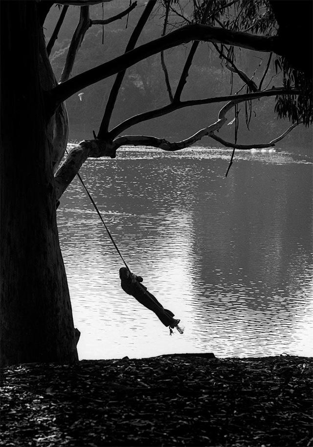 mountain-lake-swing-2.jpg