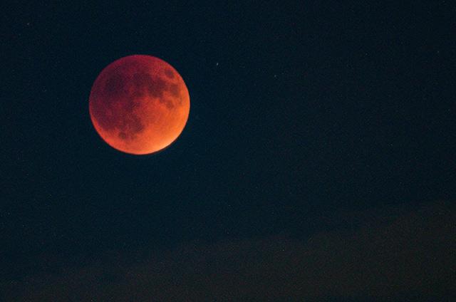 super-moon-eclipse-1.jpg