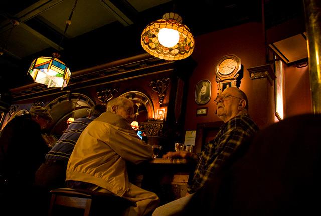 twin-peaks-best-old-man-bars.jpg