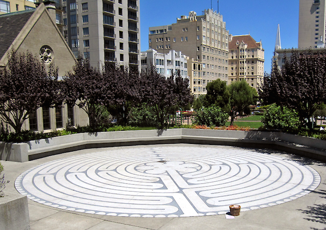 116440479.5cGF1C6t.grace_cathedral_labyrinty_outdoor.jpg