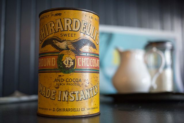 640px-Ghirardelli_Chocolate_can_photographed_March_23_2013-8588.jpg