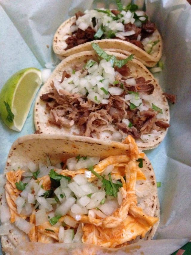tacos_underdogs.jpg