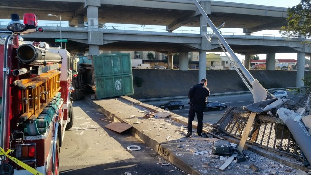 truck_crash3.jpg