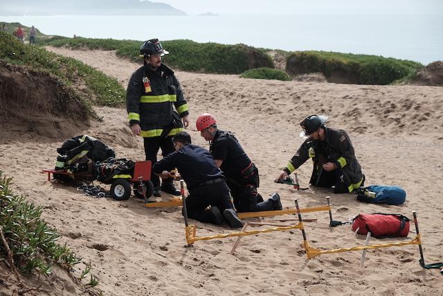 fort_funston_dog_rescue_1.JPG