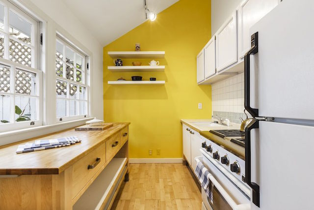 more_kitchen_363.jpg