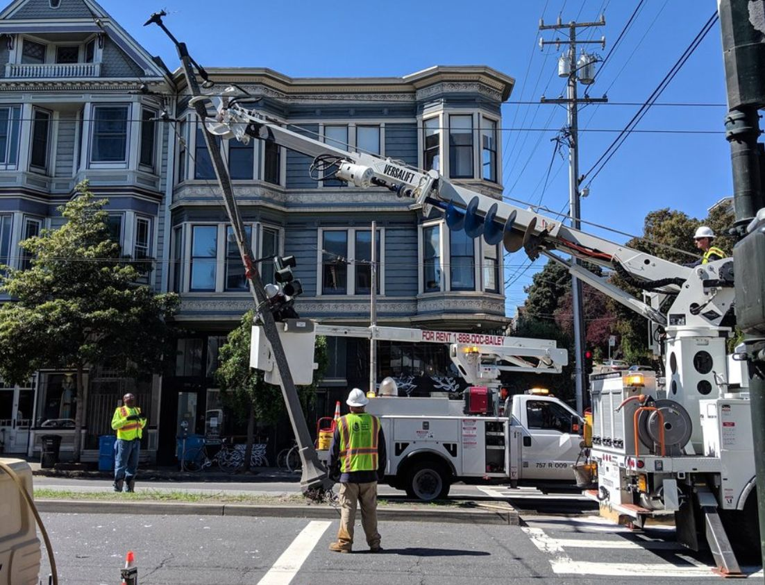 Day Around The Bay: Driver Knocks Over Pole, Disrupts Divisadero Traffic