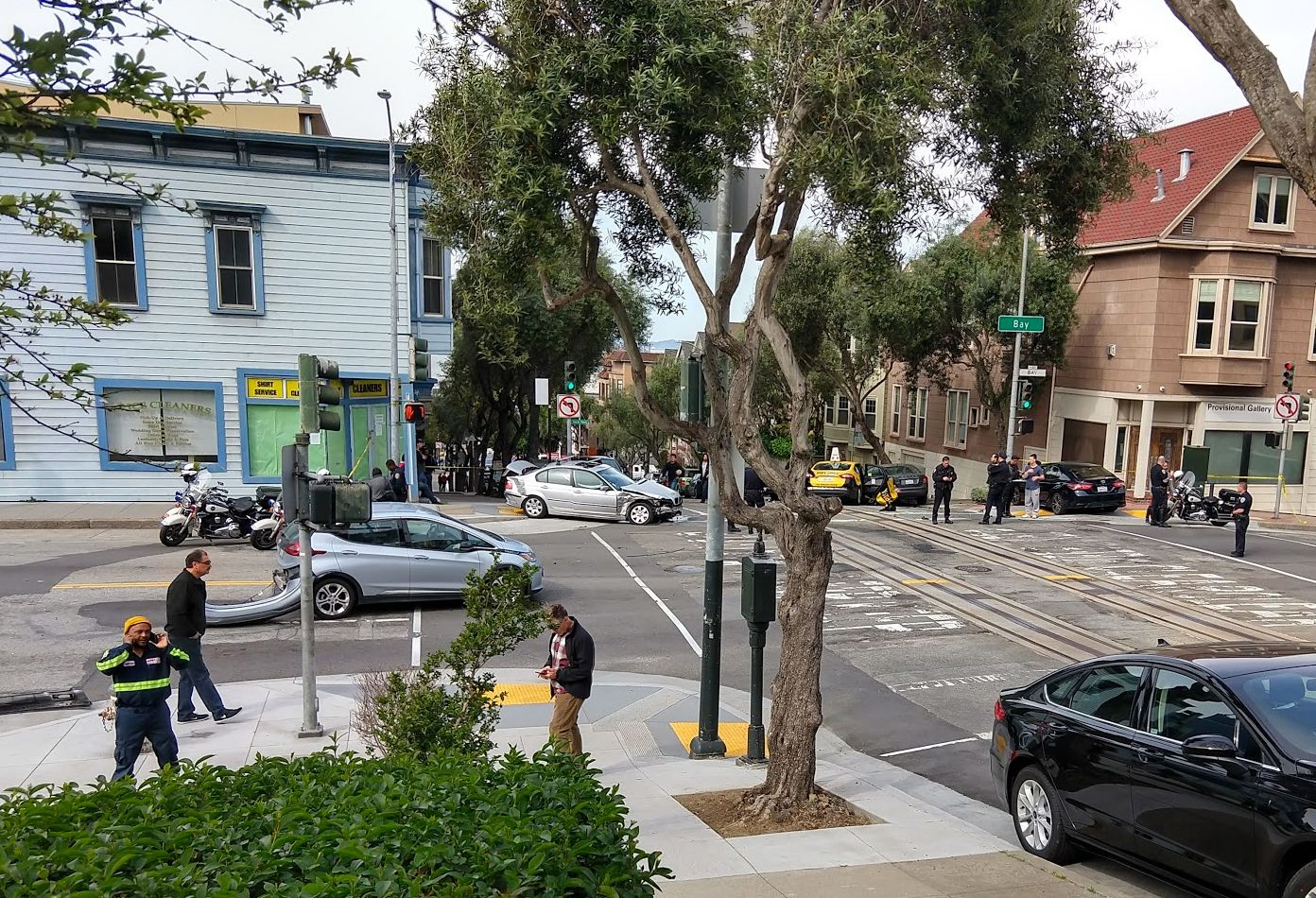 Day Around The Bay: Russian Hill Crash Disrupts Cable Car Service