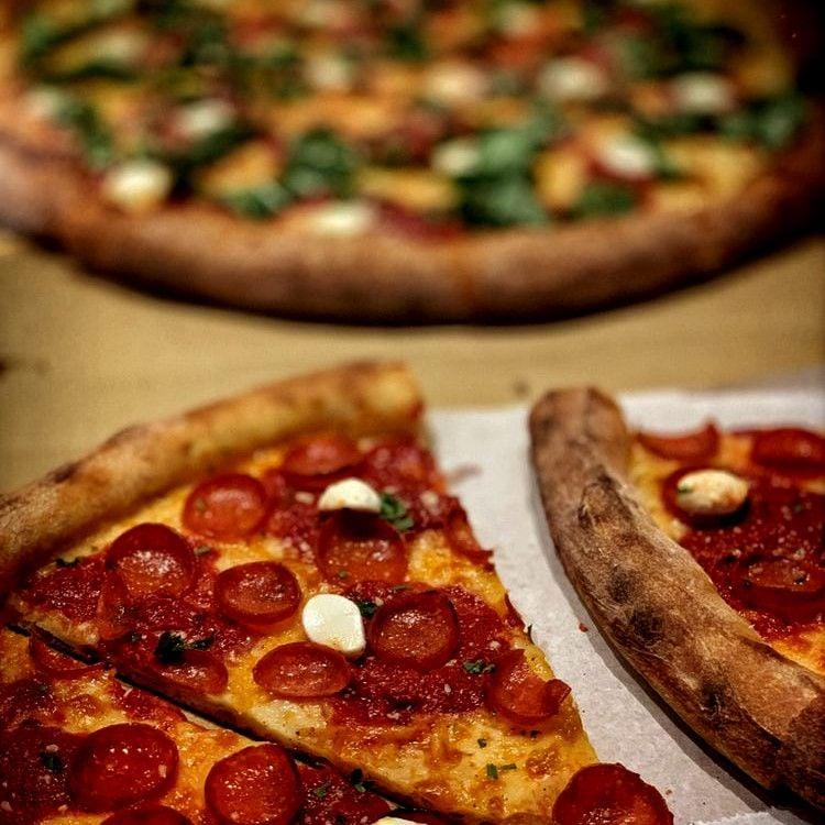 Best Pizza in East Bay: Raymond's Pizzeria