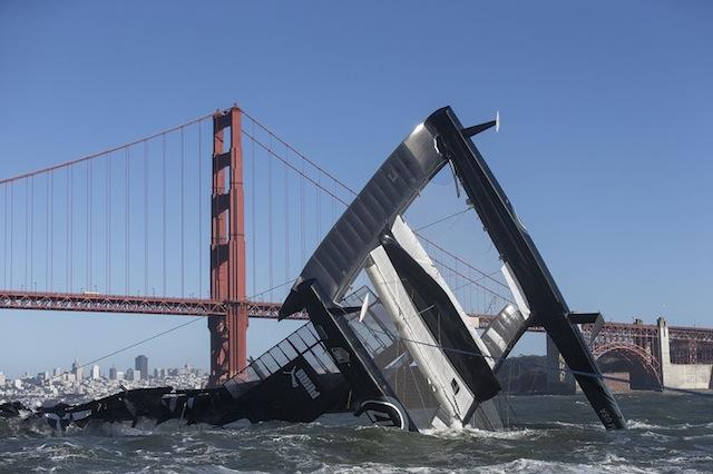 americascup_capsize.jpg