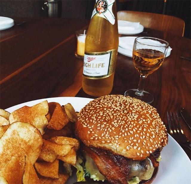 burger-alta.jpg